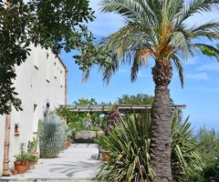 Vacanze Italiane: una villa da sogno con una vista spettacolare sul mare di Cefalù