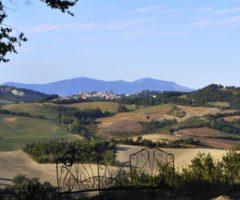 Vacanze italiane: un casale di charme nelle campagne di Urbino